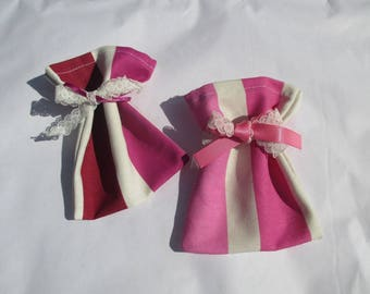 2 scent or sachets bags to fill with sugared almonds or lavender