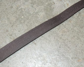 1 tape lifts Brown dark 100% polyester 14 mm wide