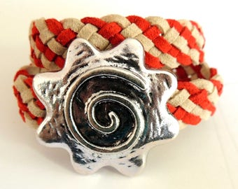 Bracelet wraps 2 braided buckskin two-tone red and beige leather loop flower clasp