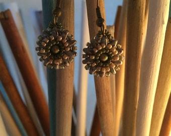 Small flower Amazon earrings