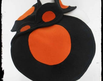 """Ilikian"": black and orange fleece scarf"