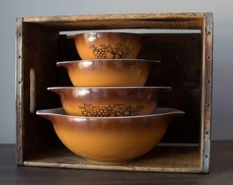 Vintage Old Orchard Pyrex Cinderella Bowl Set
