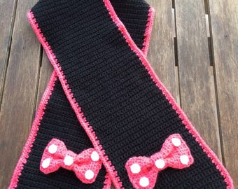 Gorgeous scarf black and pink Minnie