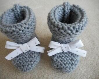 Hand knitted baby booties wool gray and polka dots Ribbon.