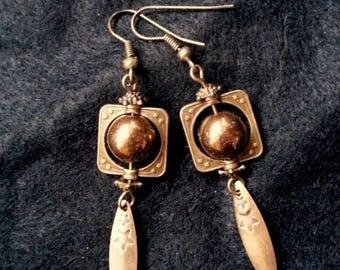 Earrings bronze Pearl and drops flat