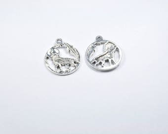 Set of 2 round silver wolf charm