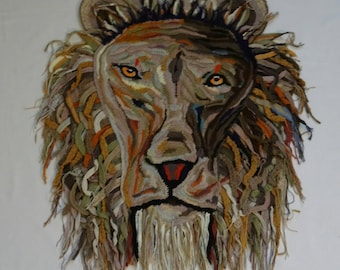 This lion is recreated a picture, all the way. The colours themselves chosen.