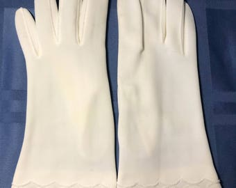 Fownes Embraceable Gloves size 6-7