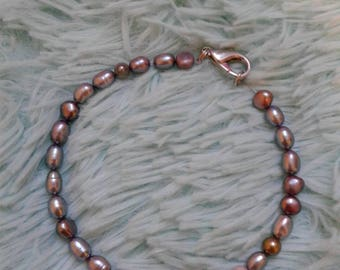 This is a real pearl bracelet