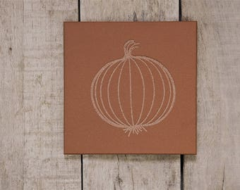 Limited Edition/Stone/Tile Trivet/Engraved/Table Centerpiece/Housewarming/Trivet for Hot Dish/Engraved Kitchen Ware/Onion/Amber
