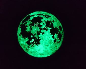 Full moon Glow in the dark