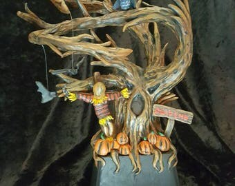 Halloween sculpture. Hand sculpted and painted ooak. Decorative table piece