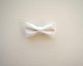 Barrette large white bow
