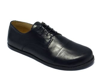 Handmade mens leather shoes/ captoe derby in polished black