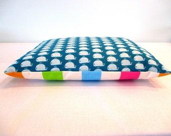 NAP pillow 'Whales at the beach' (dim: 30 x 38 cm)