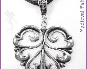 """Silver necklace and satin """"medieval heart"""""""
