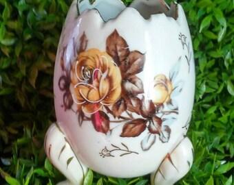 Vintage Napco Ware egg vase