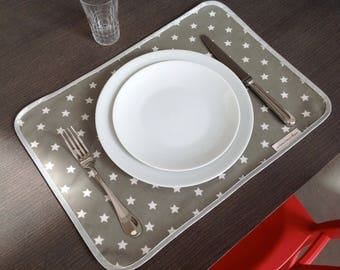 Placemat in ash grey oilcloth pattern white stars