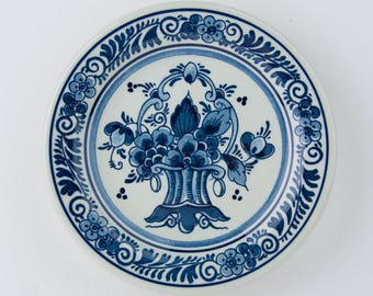 Vintage delft blue plate - wall plate - royal goedewaagen - flowers - made in Holland