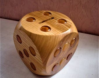 Big Wooden Money box & Rolling Dice with Amber numbering circles/Piggy bank - Dice with amber number discs/Cash box/Rolling Dice with amber/