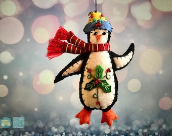 Christmas penguin Handcrafted felt Christmas tree decoration /Christmas tree topper/ hanging ornament chic felt / penguin Christmas home de