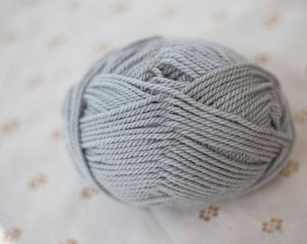 Merino Wool Alpaca Blend Yarn - Gray - Worsted