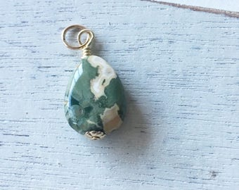 Rhyolite wire wrapped necklace drop,27mm dangle, gift for her,gold fill, Xmas gift,minimalist jewelry, gold fill, green pendant, green stone