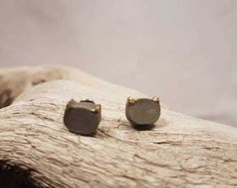 Cat in concrete and finish gold leaf earrings