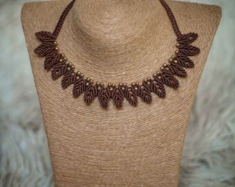 Boho.oho Macrame Hippie Leaf Necklace