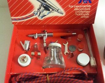 PAASCHE Airbrush Set w/SPRAVIT Diaphragm Sprayer Compressor Model 600-9