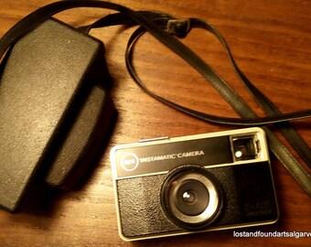 55X KODAK INSTAMATIC. Vintage camera. Câmera vintage. !971