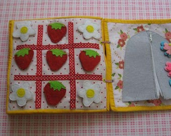 Quiet game,Tic Tac Toe game (velcro)-Flowers and strawberries ,   Gift for Kid, game for ages 1-5