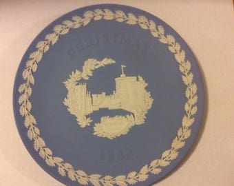 Wedgwood Blue and White Jasper Christmas Plate ©1969 Windsor Castle
