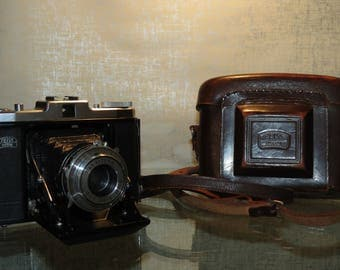 German Zeiss Ikon 524/16 Camera with case