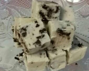 Homemade Cookies & Cream Fudge