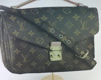 Louis Vuitton Inspired Centerpiece/ LV inspired centerpiece/ purse centerpiece/ louis vuitton purse/ lv purse/ lv party/ Louis vuitton party