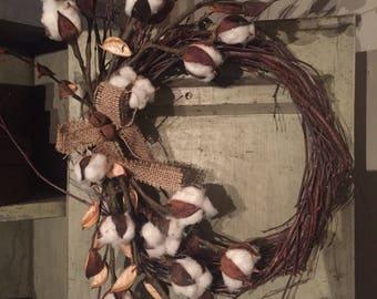 Cotton pods wreath