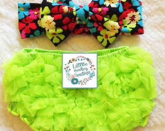 Free delivery,Bright green bloomer,Green bloomer,Green diaper cover,Baby outfit,Chiffon bloomer,Ruffle Bloomer,Cotton bloomer,Bloomer