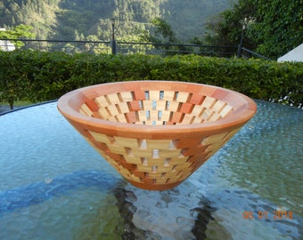 Bowl-turning bowl-open segmented bowl