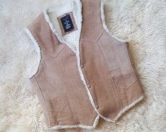 sz. M   Vintage Leather Sherpa Vest