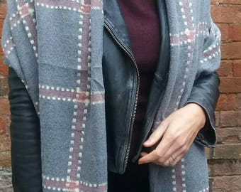 Bold Stitches Check Scarf/Wrap in Grey