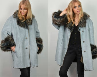 Premium Vintage 90s Oversized Blue Faux Fur Collar Coat