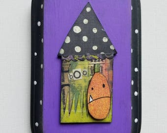 halloween...wall decor...funky house with jack o lantern