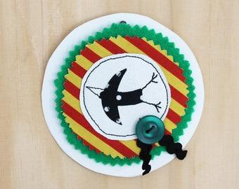 Syko happy bird brooch 1