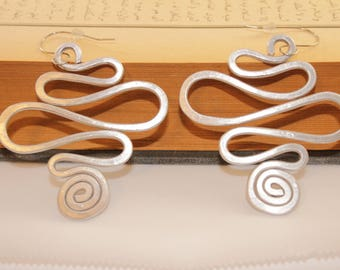 Aluminum Earrings, 2.5 inch long silver earrings, Lightweight Comfortable Earrings, Silver Wire Earrings, ITEM E5