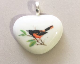 Baltimore Oriole Valentine Heart Pendant and Silver Mesh Adjustable Chain