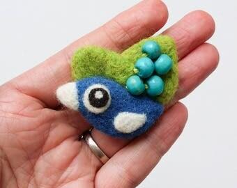 Brooch pin wool felt needle felted blue green turquoise birdie berries