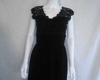 Closing Shop 40%off SALE 50's 1950's black dress, Lace top wiggle dress 50s