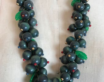 1940s necklace fruit necklace Miriam Haskell wood necklace celluloid necklace wwii necklace Bakelite era rockabilly necklace plastic jewelry