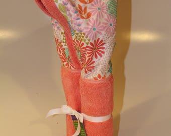 Julianne floral light salmon hooded towel